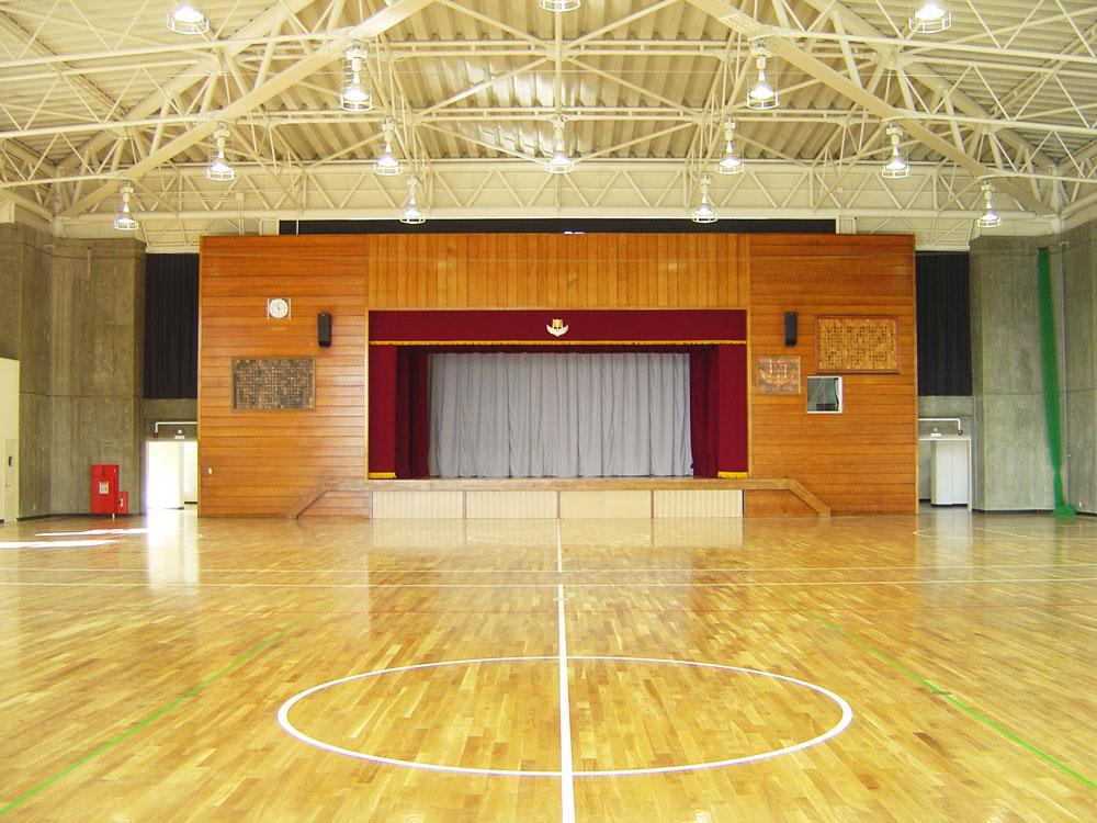 南子安小学校屋内運動場